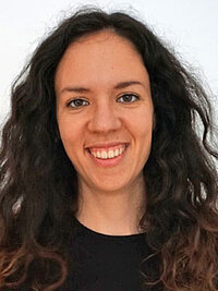 Portraitfoto Tanja Schuller